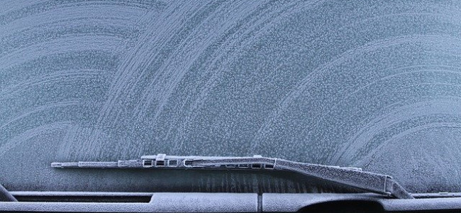 Winter driving advice with car maintenance checks