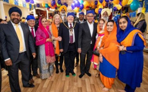 WOKINGHAM SIKH COMMUNITY RAISE £3,250 FOR LOCAL ME2 CLUB CHARITY