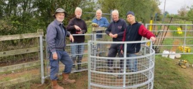 Loddon Valley Ramblers Improve Footpath Access