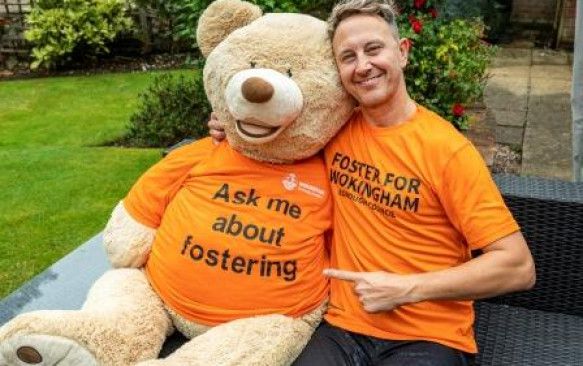 Ian Waite, Local Strictly Come Dancing Star – Meets Foster Carers at Wokingham Borough Council