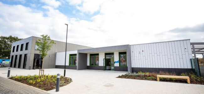 Farley Hill Primary School Keys Handed Over In Readiness To Open